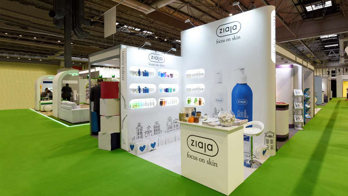 Custom-exhibition-stands-854
