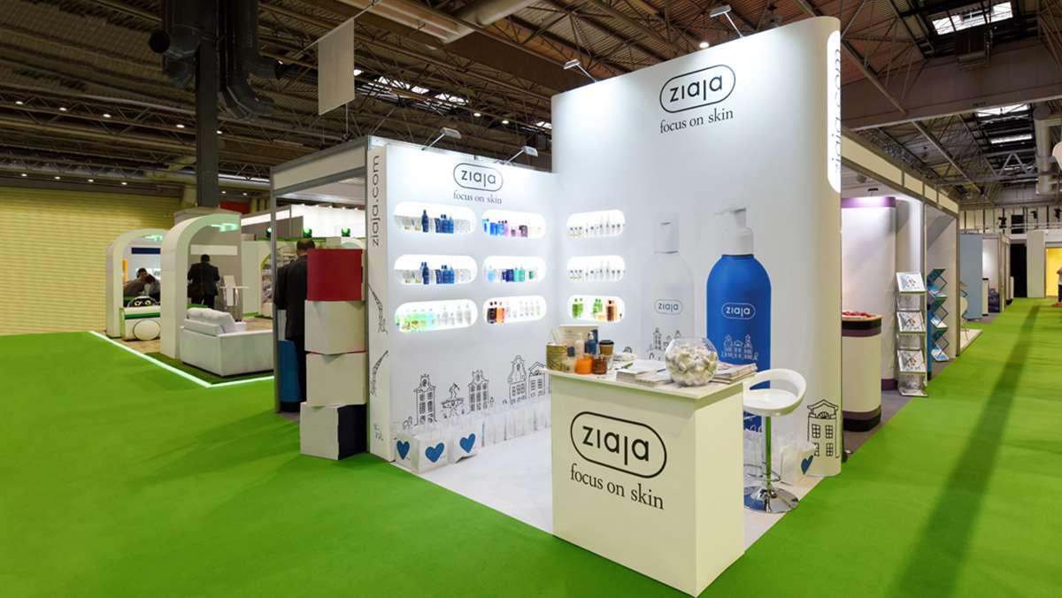 Custom-exhibition-stands-854