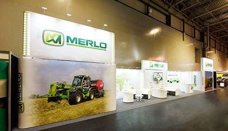 long narrow exhibition stand
