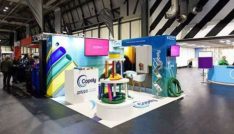 bright gloss exhibition stand with two tv screens
